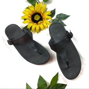 FitFlop The Skinny Sandal Black Leather Thong